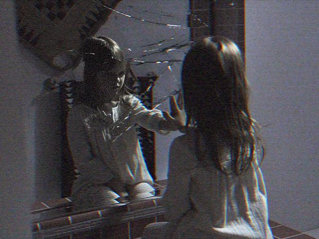 """Crítica: Atividade Paranormal – Dimensão Fantasma exalta agonia do terror """"found footage"""""""
