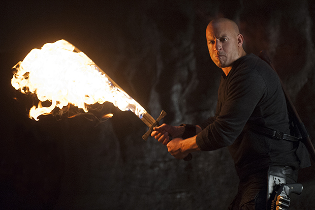 Crítica: O Último Caçador de Bruxas se beneficia da baixa expectativa