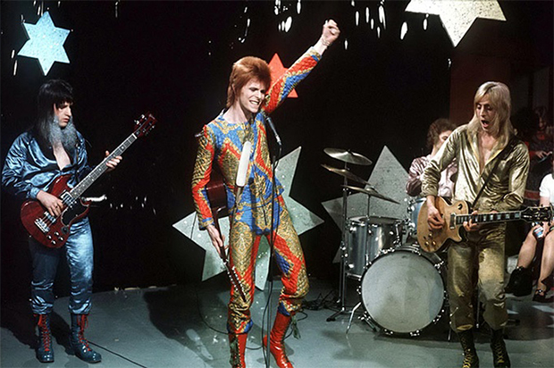 Playlist: Veja um resumo da carreira de David Bowie em 55 aparições televisivas