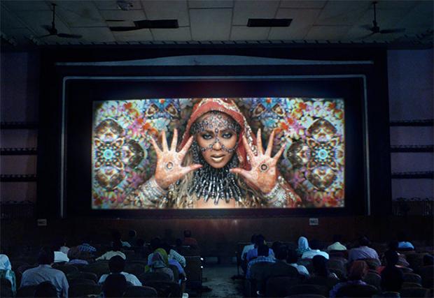 Novo clipe do Coldplay traz Beyoncé como estrela de Bollywood
