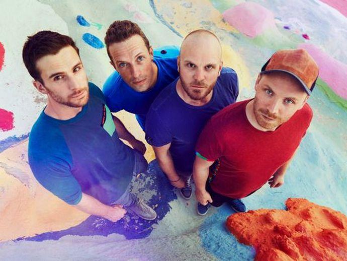 Coldplay lança o clipe caleidoscópico de Birds