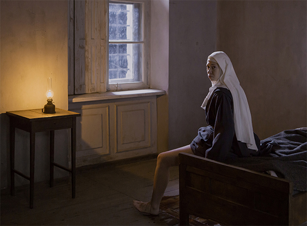 Les Innocentes: Trailer leva atriz de Respire a descobrir escândalo sexual num convento