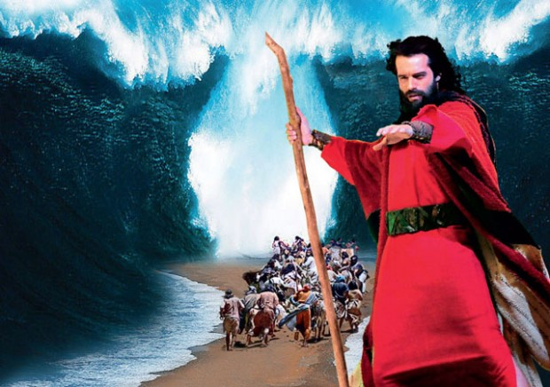 Os Dez Mandamentos bate recorde de pré-venda do cinema brasileiro