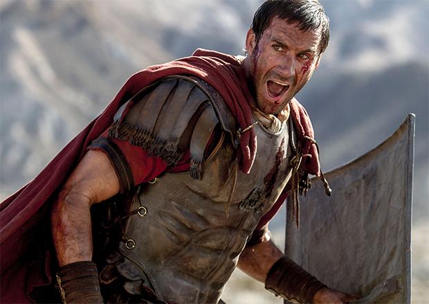 Ressurreição: Joseph Fiennes caça Jesus ressuscitado em trailer de épico religioso