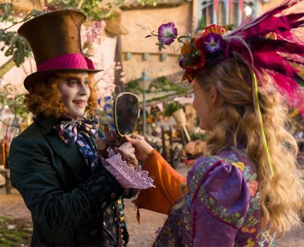 Alice Através do Espelho: Comercial mostra reencontro de Alice ...