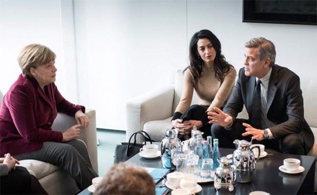 George Clooney se encontra com Chanceler da Alemanha para ...