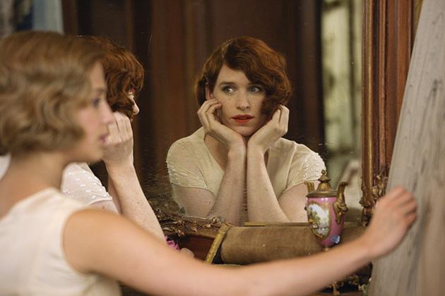 Crítica: A Garota Dinamarquesa transforma tema atual em filme à moda antiga
