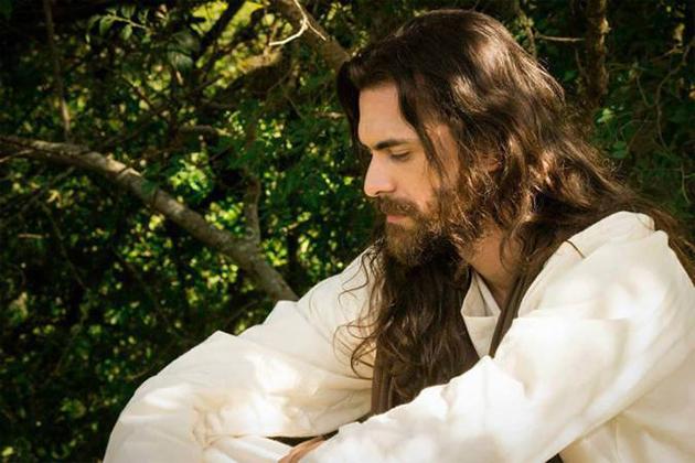 Crítica: Nos Passos do Mestre revisa os evangelhos segundo o Espiritismo