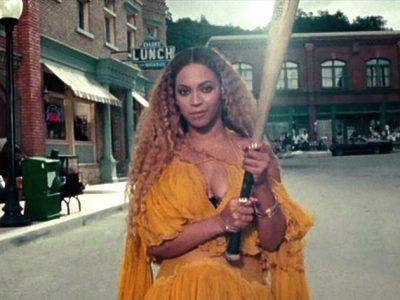 """Beyoncé surpreende com """"disco visual"""" de quase uma hora de duração"""