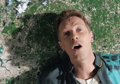 Novo clipe do Coldplay é uma apoteose surreal