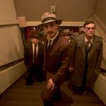 Neruda: Gael Garcia Bernal tenta prender o poeta Pablo Neruda no trailer do candidato do Chile ao Oscar
