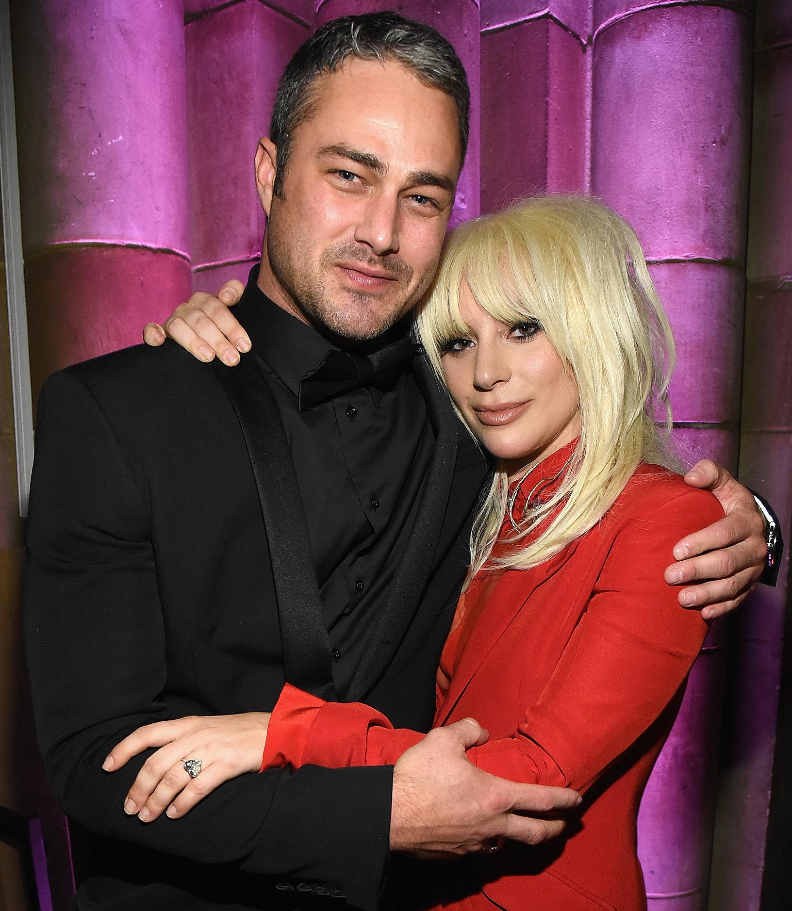 Lady Gaga teria terminado noivado com ator de Chicago Fire ...