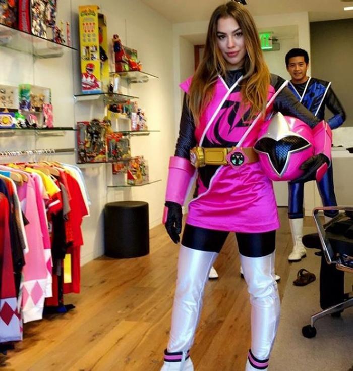 Power Rangers: Atriz brasileira será a Ranger Rosa em nova série ...