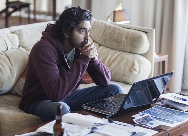 Lion: Dev Patel usa o Google Earth para achar família perdida em ...
