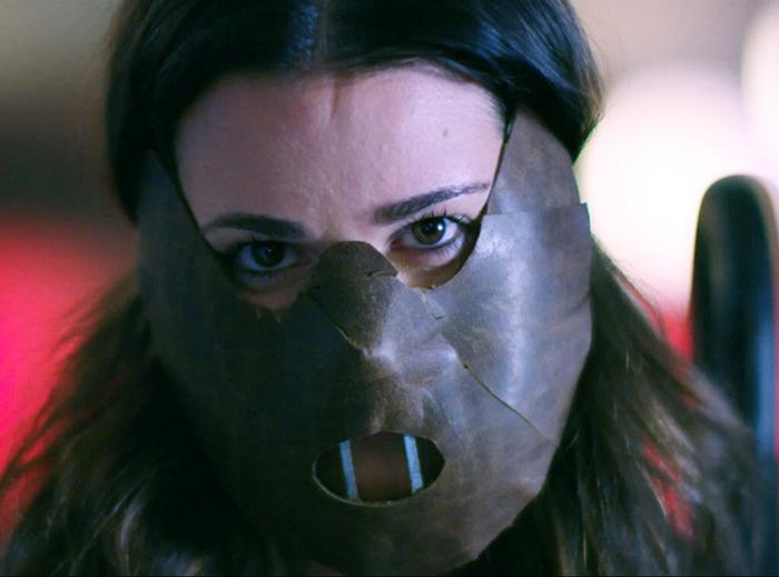 Scream Queens: Lea Michele ressurge como Hannibal no novo teaser da 2ª temporada