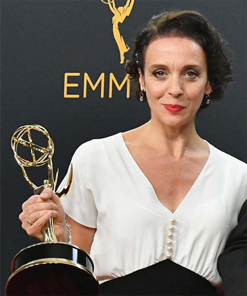 Atriz da série Sherlock tem a bolsa roubada durante o Emmy ...