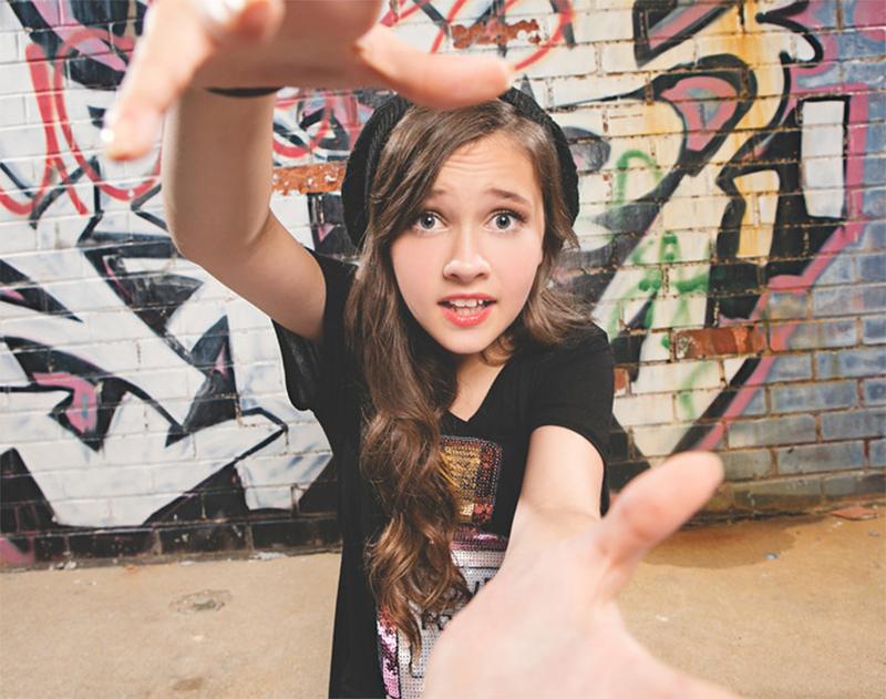 Cantora adolescente do YouTube vai estrelar Círculo de Fogo 2 ...
