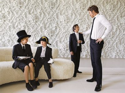 Brad Pitt não fala com Angelina Jolie e nem vê seu filho mais velho desde o começo do divórcio