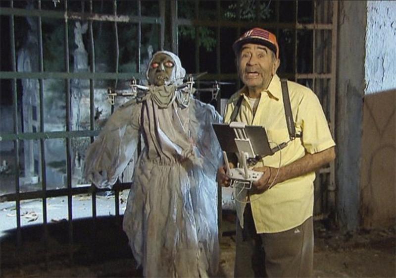 Pegadinha do Sílvio Santos apavora ao usar drone para criar bruxa ...