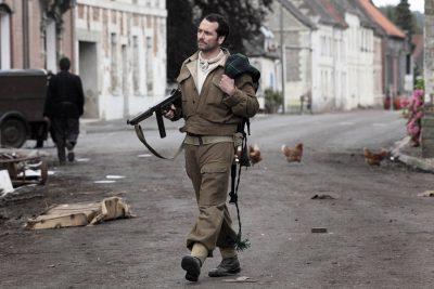 Crítica: Viva a França! dá à guerra uma perspectiva de esperança