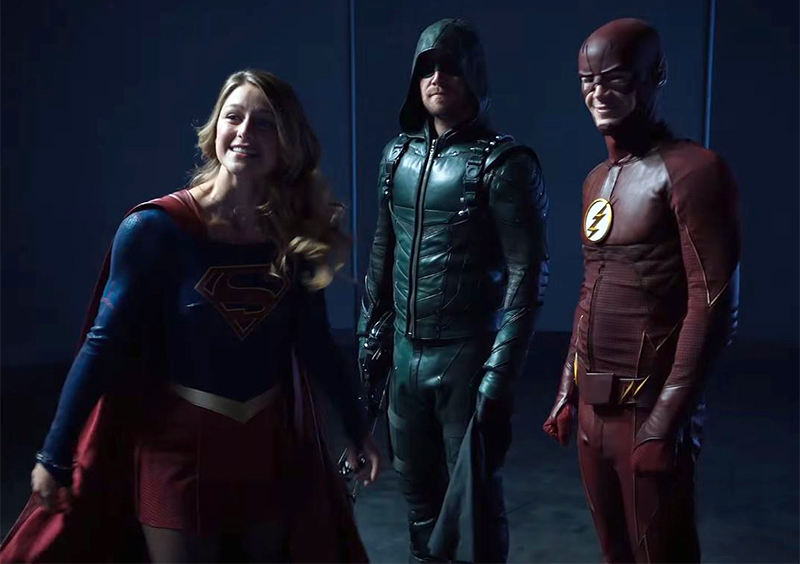 Vídeo divertidíssimo das séries da DC recebe Supergirl no clube da ...