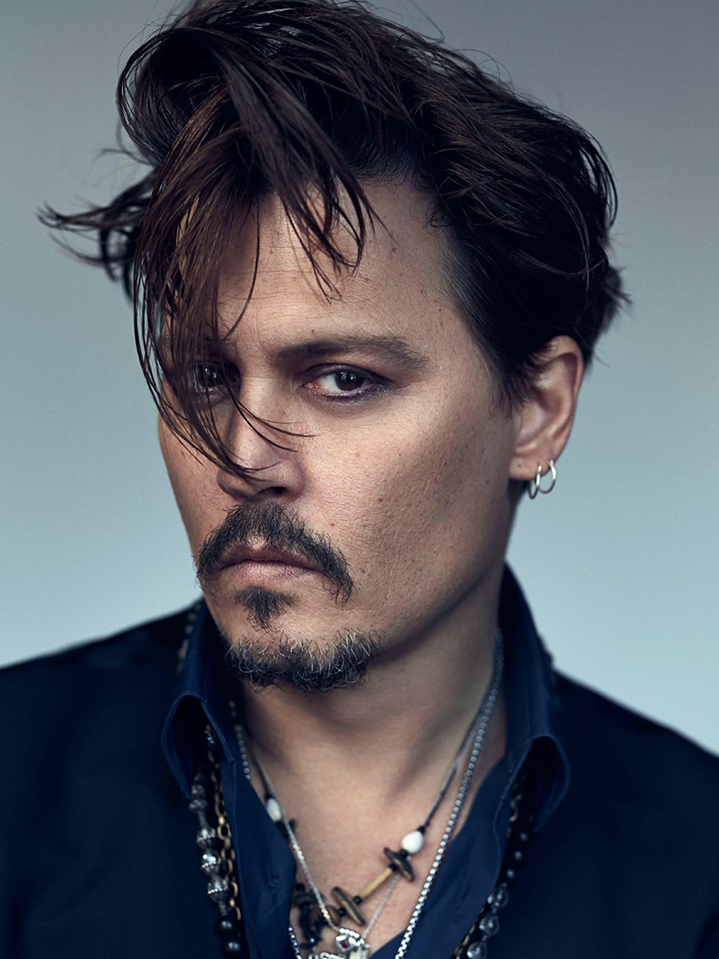 Johnny Depp embarca com grande elenco no remake de ...