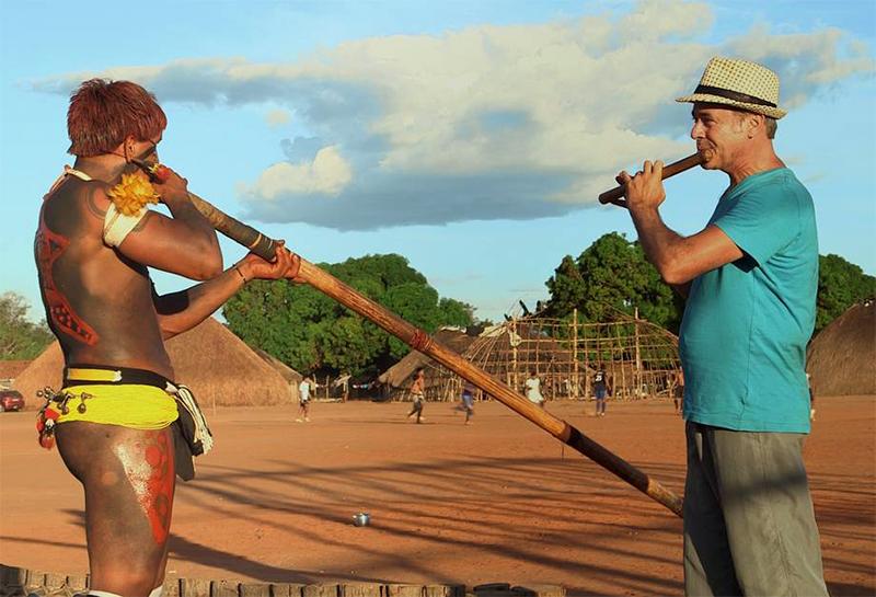 Documentário sobre viagem musical de Carlos Malta pelo Brasil ...