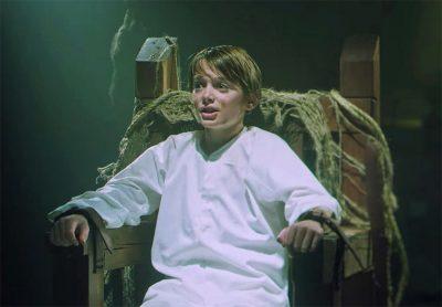 Menino de Stranger Things volta a ser raptado em clipe da banda Panic! At The Disco