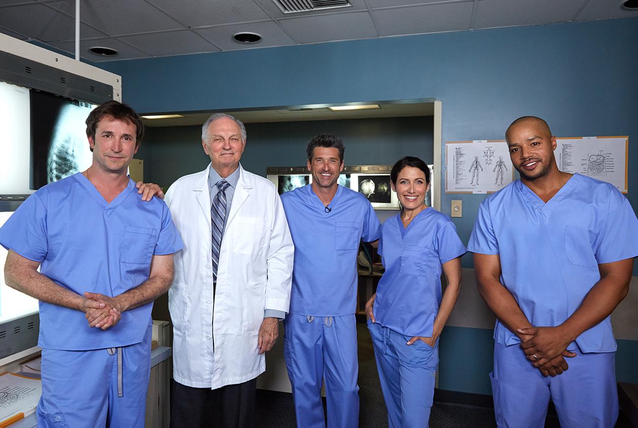 Médicos de cinco séries diferentes se juntam pela primeira vez em ...