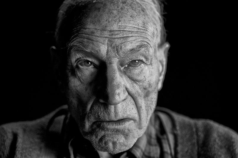 Logan: Foto traz Patrick Stewart envelhecido como Professor X no ...