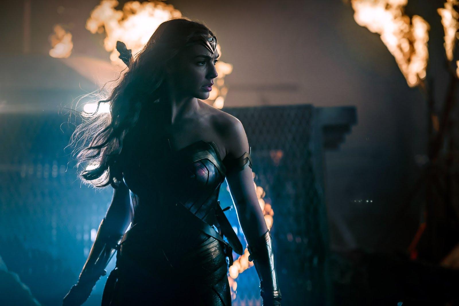 Liga da Justiça: Diretor divulga nova foto da Mulher Maravilha em ...
