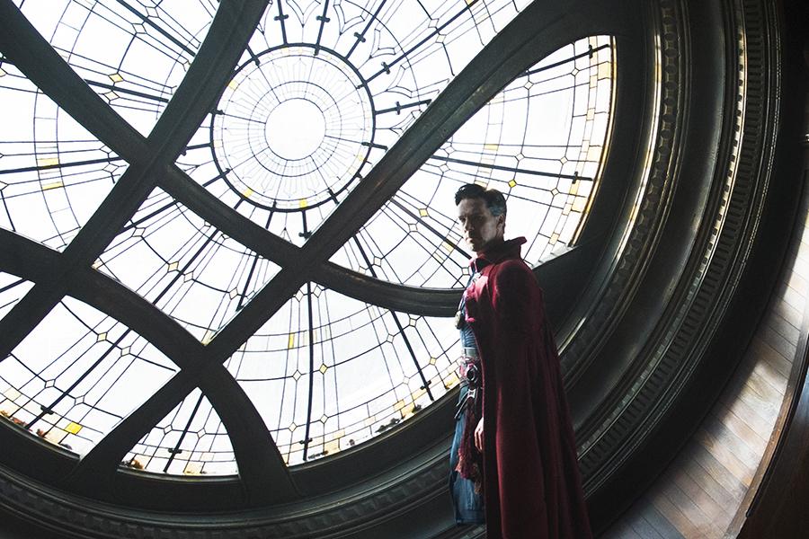 Crítica: Doutor Estranho conjura visual surpreendente em mais um acerto da Marvel