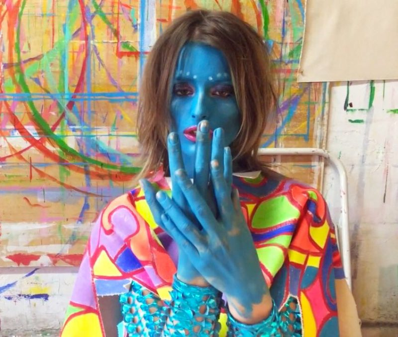 Top Model brasileira cria e estrela clipe psicodélico do americano Peter Yorn