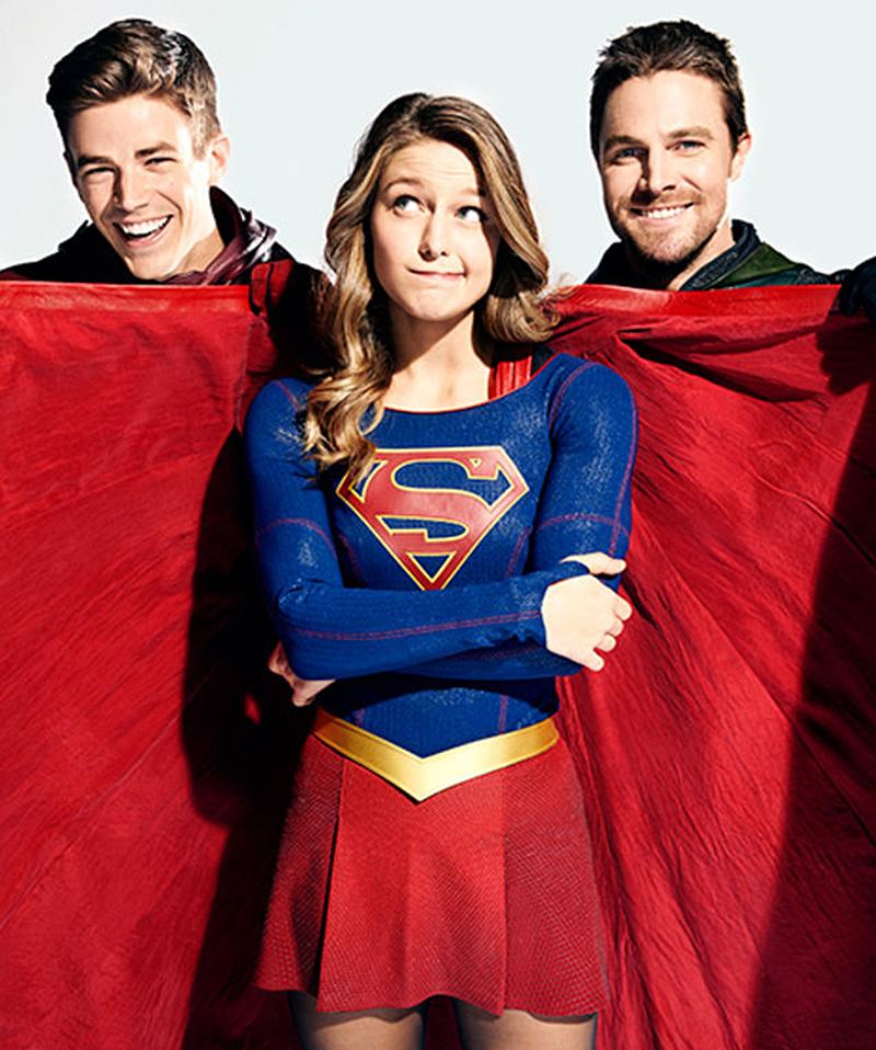 Vídeos e fotos promovem o crossover das séries de super