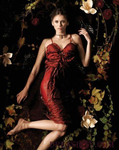 Elena reaparece em comercial de The Vampire Diaries