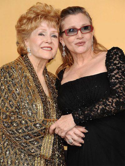 Mãe de Carrie Fisher, a atriz Debbie Reynolds passa mal e é hospitalizada de emergência