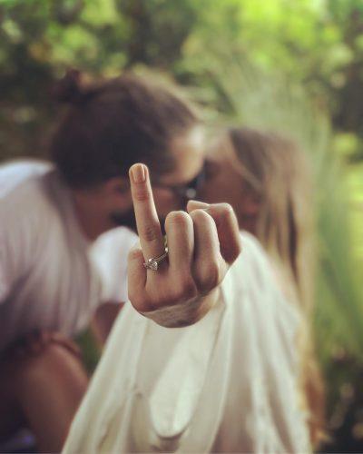 Margot Robbie se casa em segredo com o namorado