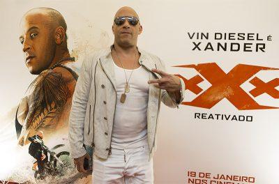 "Vin Diesel divulga no Facebook vídeo de uma visita à ""favela"" paulistana"
