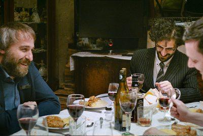 Crítica: Sieranevada mostra discussões em família com estética voyeur