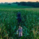 Terror indie premiado, com clima de fábula encantada, ganha primeiro trailer
