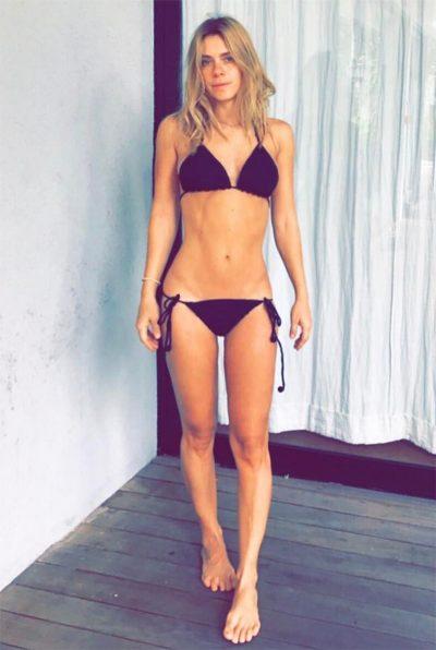 Carolina Dieckmann divide o Instagram com nova foto de biquíni entre maravilhados e preocupados