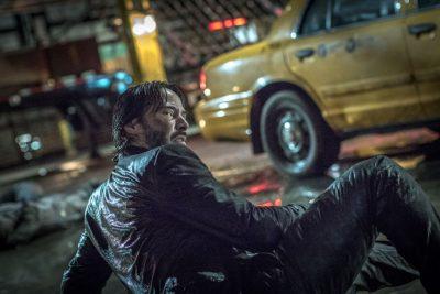 Keanu Reeves enfrenta assassinos em 15 fotos de John Wick: Um Novo Dia para Matar