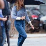 Margot Robbie surge irreconhecível no set de seu novo filme