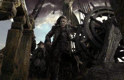 Primeira foto do novo Piratas do Caribe destaca o vilão vivido por Javier Bardem