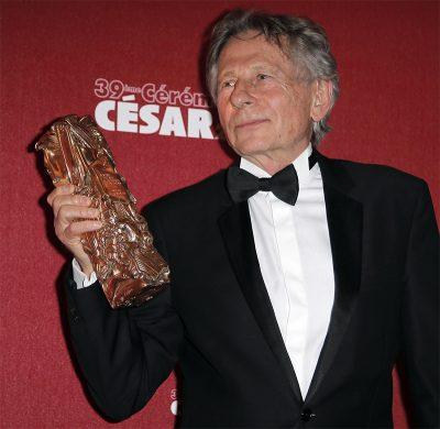 """Organização feminista protesta contra escolha de Polanski para presidir premiação do César, o """"Oscar francês"""""""