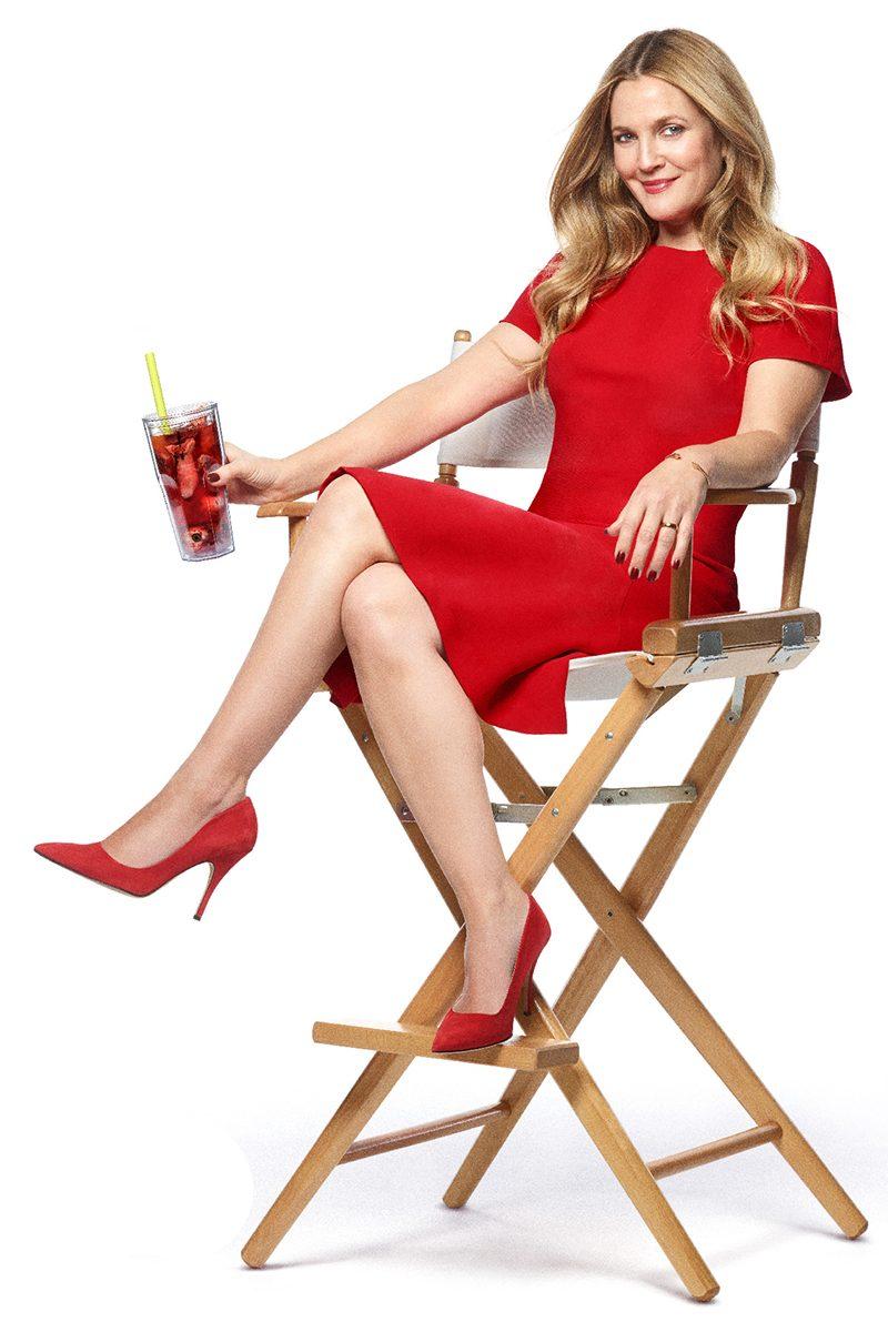 Drew Barrymore anuncia sua nova dieta canibal em teaser de Santa Clarita Diet