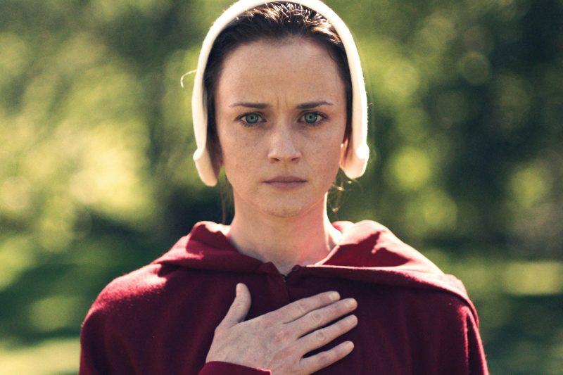 Atriz de Gilmore Girls entra na nova série sci-fi The Handmaid's Tale