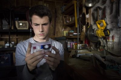 13 Reasons Why: Série teen produzida por Selena Gomez ganha primeiras fotos oficiais