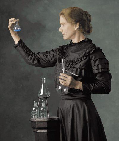 Diretora de Persépolis vai filmar cinebiografia de Marie Curie, primeira mulher a vencer o Prêmio Nobel