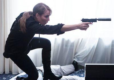 Noomi Rapace e Orlando Bloom tentam impedir ataque terrorista em trailer de ação
